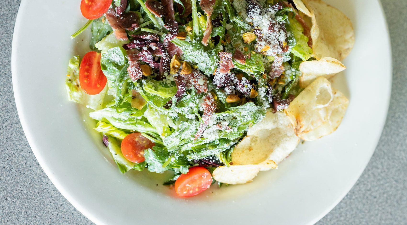 Deweys-Pizza-Italian-Salad